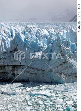 ペリトモレノ氷河 7670191