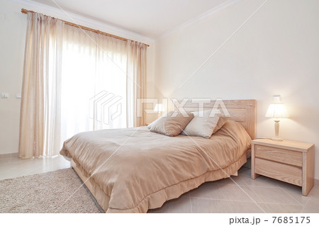 modern family bedroom modern bedroom suite for the family の写真素材 7685175 pixta 12567
