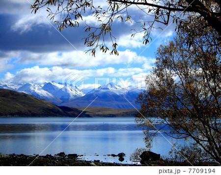 秋のテカポ湖 ニュージーランド 7709194
