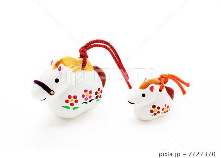 親子 午年人形 干支(馬)置物 白バック|正月イメージ素材 7727370