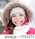 雪 降雪 女性の写真 7733573