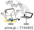 大量のメールに喜ぶビジネスマン 7740805