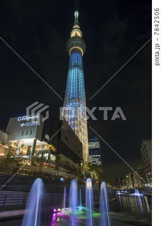 東京スカイツリーと北十間川ライトアップ 7842506