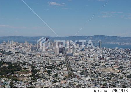 ツインピークスから見たサンフランシスコのダウンタウン 7964938