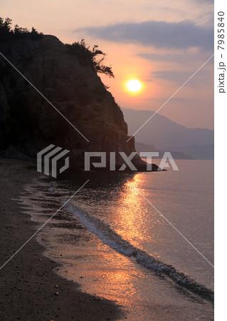 余島の夕焼け 7985840