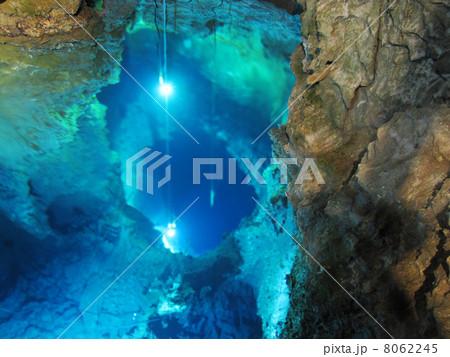 龍泉洞の地底湖(第三ホール) 8062245