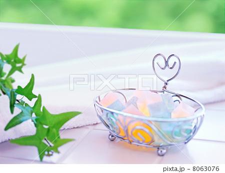 石鹸とタオルの写真素材 [8063076] - PIXTA