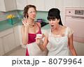 主婦業 エプロン 女性の写真 8079964