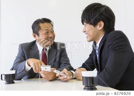 働くビジネスマン 8276920