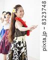 フラダンス フラ 女性の写真 8323748