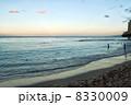 早朝のワイキキビーチ1 8330009