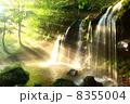 兵庫県新温泉町 光芒と滝 8355004