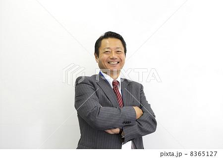 働くビジネスマン 8365127