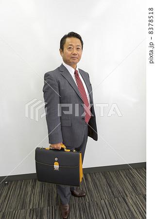 働くビジネスマン 8378518