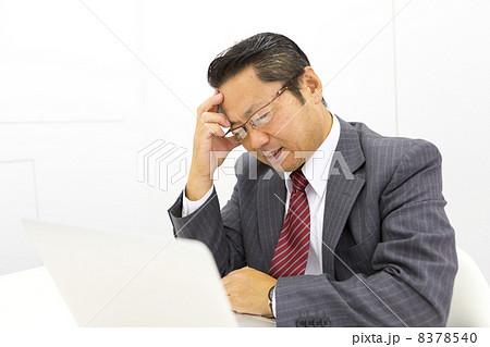 働くビジネスマン 8378540
