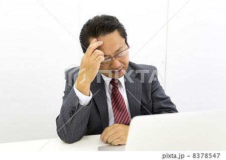 働くビジネスマン 8378547