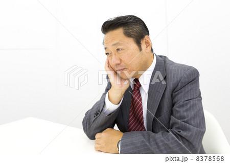 働くビジネスマン 8378568