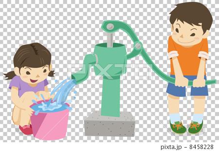 手押しポンプで井戸水を使う男の子と女の子 8458228