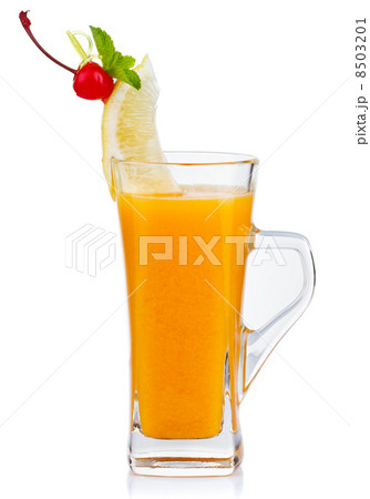 Glass of hot fruit tea with fresh mint and lemon isolatedの写真素材 [8503201] - PIXTA