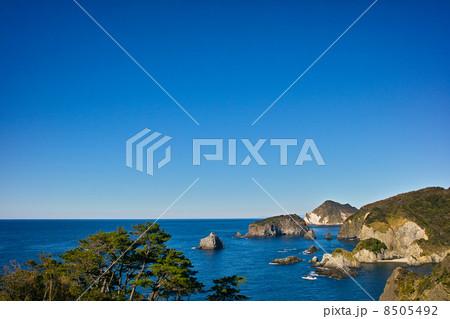 青空と南伊豆の海岸 8505492
