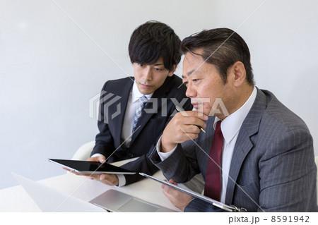 働くビジネスマン 8591942