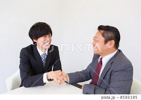働くビジネスマン 8593195