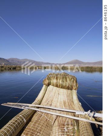 ティティカカ湖 8646195