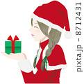女性 サンタ 横顔 プレゼント 8712431