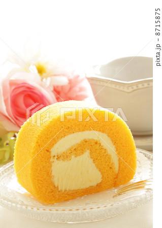 ロールケーキと紅茶の写真素材 [8715875] - PIXTA