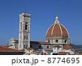 サンタ・マリア・デル・フィオーレ大聖堂とジョットの鐘楼 8774695