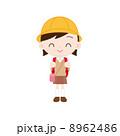 遠足 女の子 子供のイラスト 8962486