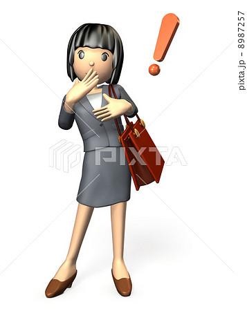 驚くスーツ姿の女性 8987257