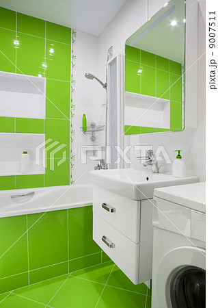 green bathroom interiorの写真素材 [9007511] - PIXTA