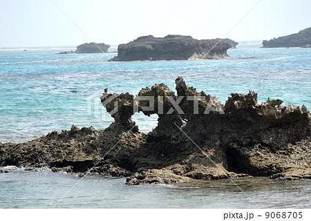 自然が生んだ奇跡!ハート岩(宮古島) 9068705