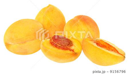 Sliced peach isolatedの写真素材 [9156796] - PIXTA