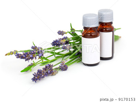 Aromatherapy Lavender oil and lavender flower, isolated on whiteの写真素材 [9170153] - PIXTA
