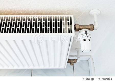 white home heat radiatorの写真素材 [9198963] - PIXTA