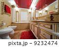 Fashionable marble bathroom 9232474