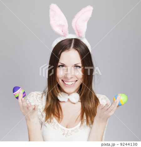 Girl with easter eggsの写真素材 [9244130] - PIXTA