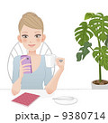 女性 スマートフォン カフェ 9380714