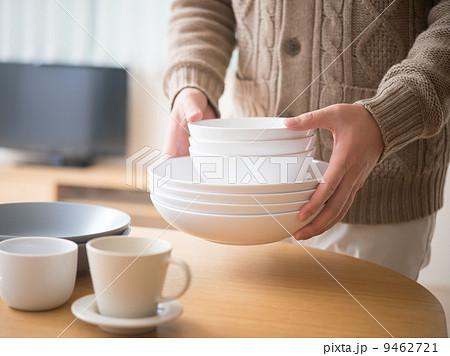食器を片付けるの写真素材 [9462721] - PIXTA