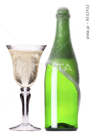 bottle and glass of champagne set isolatedの写真素材 [9532432] - PIXTA