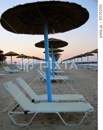 relax chairs on the beachの写真素材 [9570200] - PIXTA