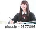勉強 女子高生 人物の写真 9577896