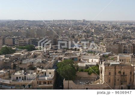 アレッポ城から眺める街並み 9636947