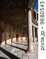 カルロス5世宮殿 アルハンブラ宮殿 柱の写真 9680545