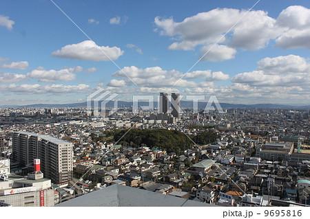 堺市から東大阪、生駒山方面の景色 9695816