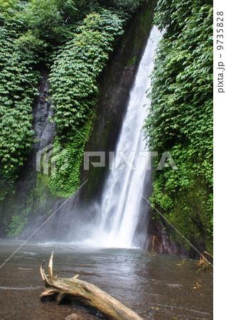ムンドックの滝  9735828
