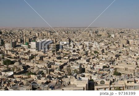 アレッポ城から眺める街並み 9736399