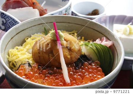 福島県小名浜名物うにの貝焼き丼 9771221